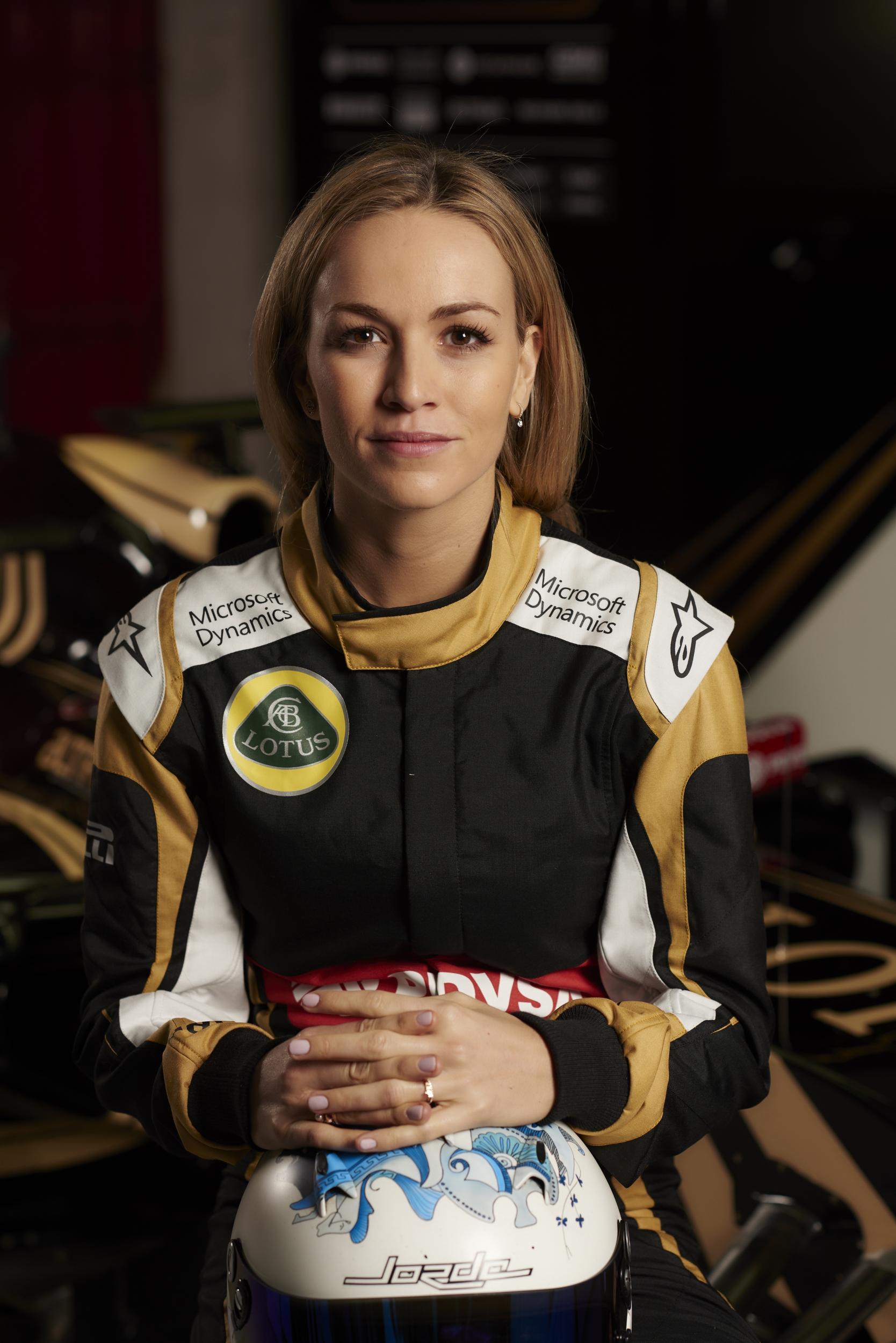 Lotus_Formula1_Carmen Jorda_0002