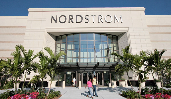 Nordstrom opens doors in minnetonka usa for Olive garden fashion square mall