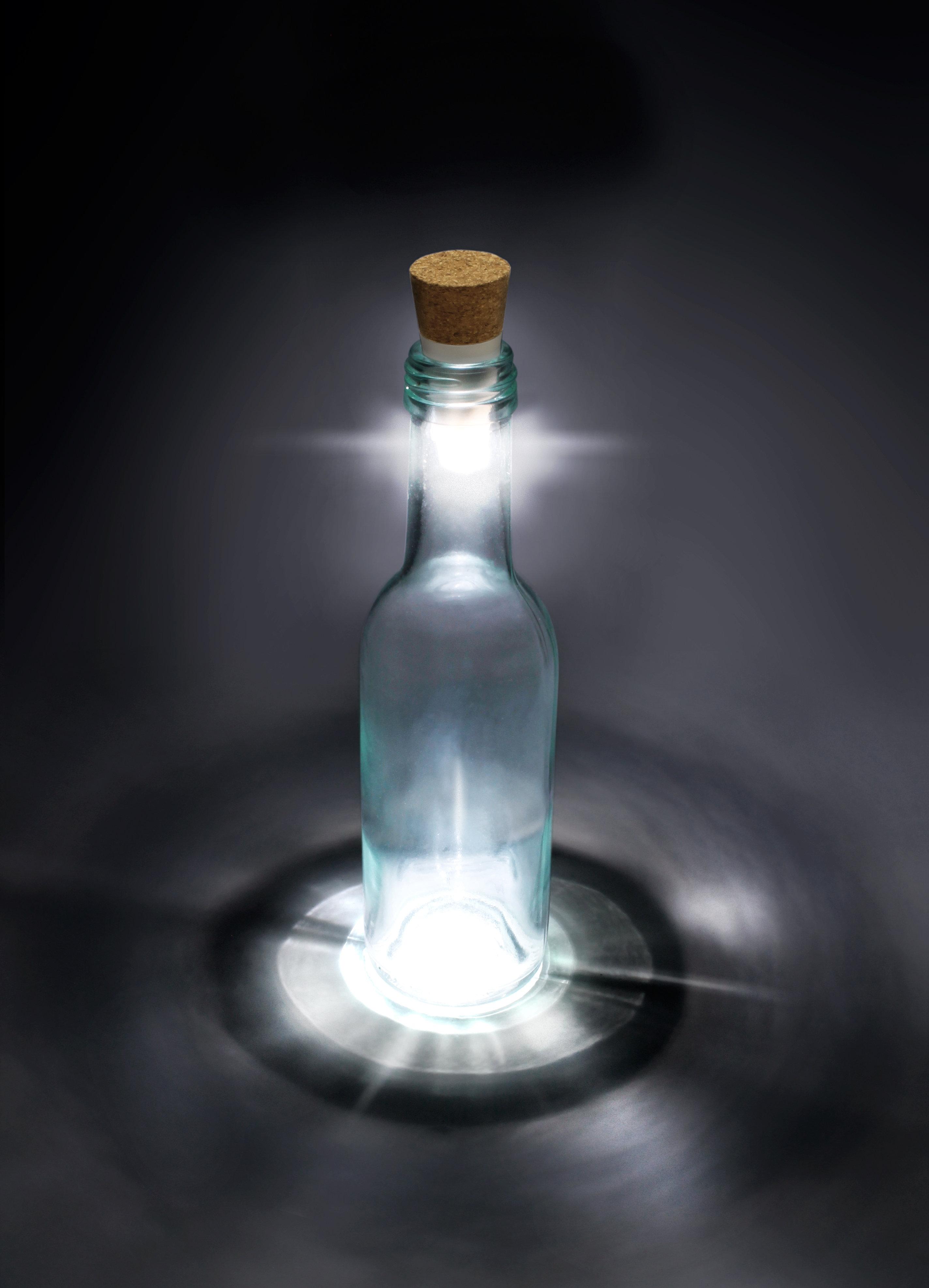 Suck_UK_Bottle_Light1