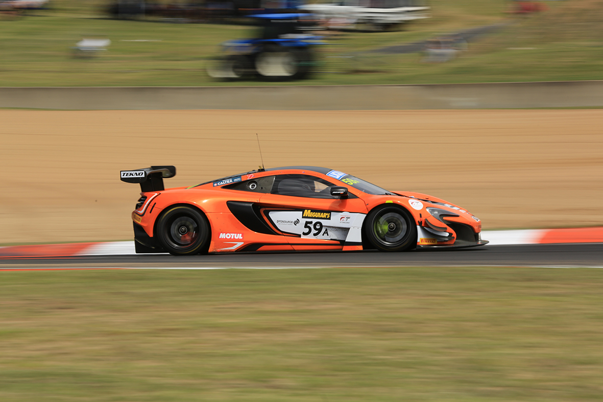 Tekno McLaren racing at the chase