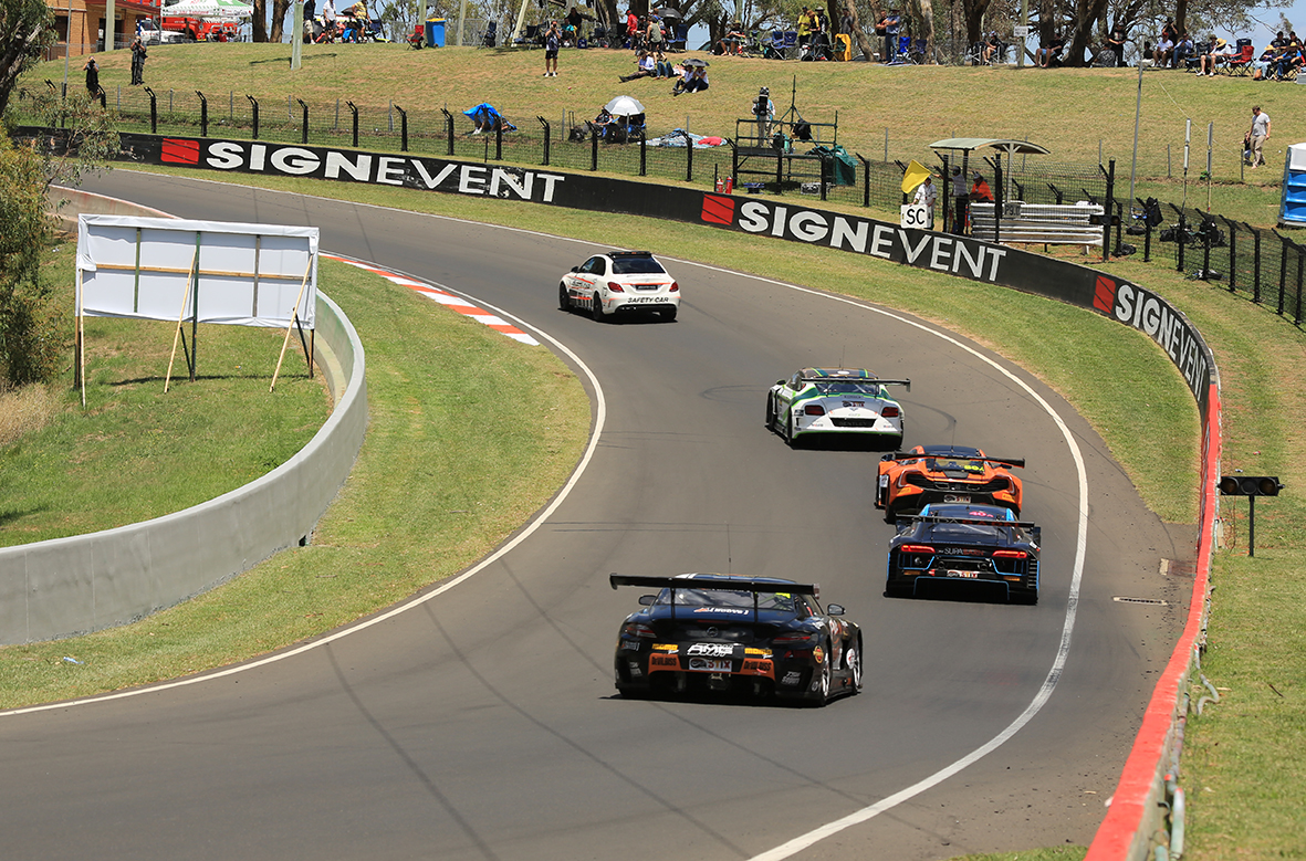 lead cars following the safety car