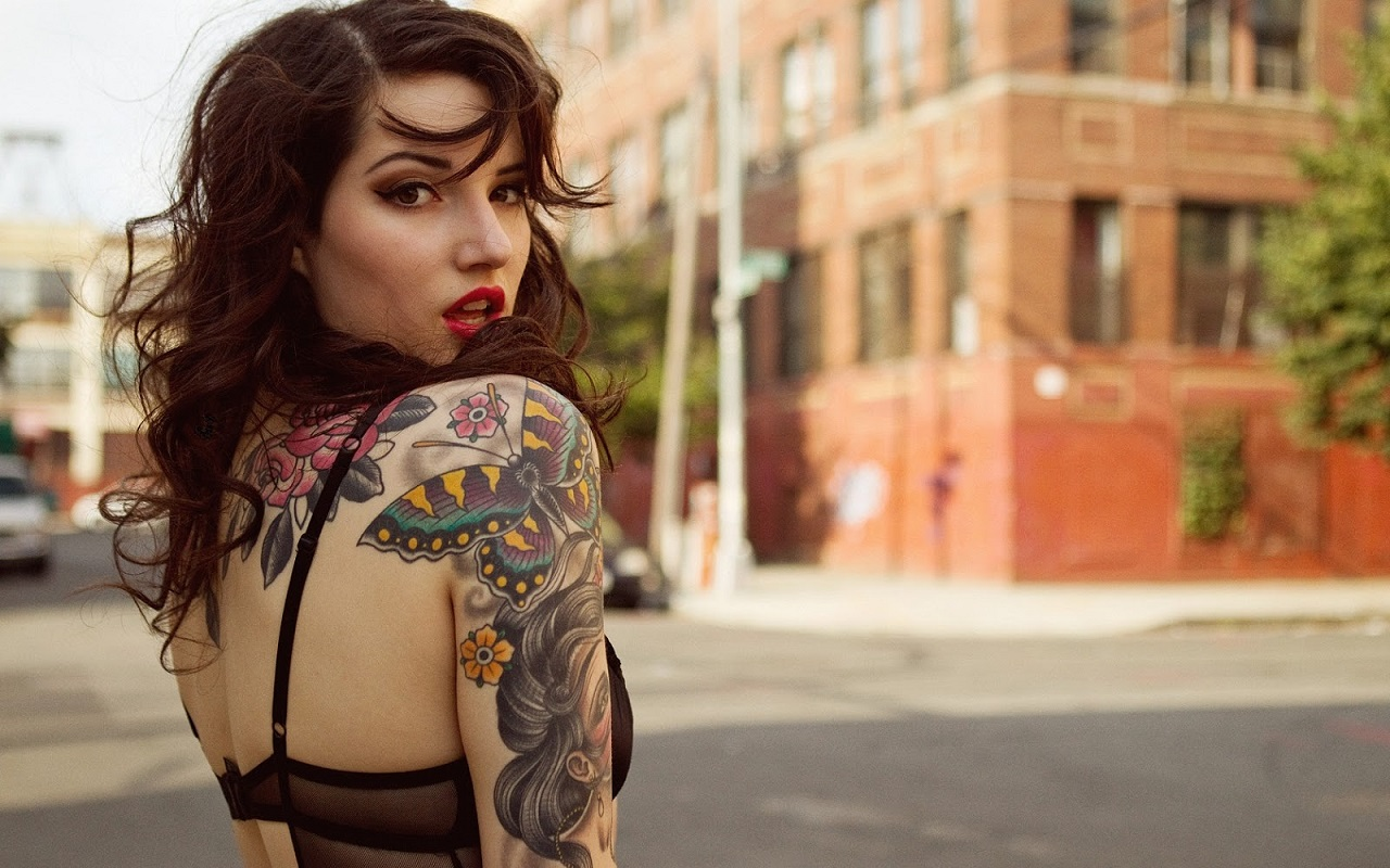 Tattooed Women Wallpaper (16)