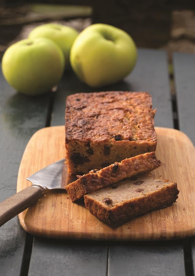 autumn apple and raisin cake