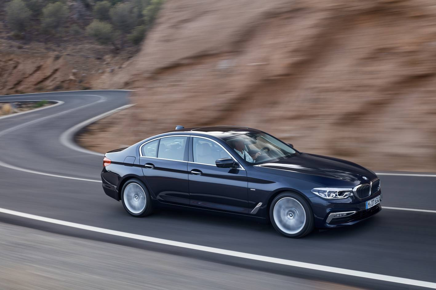 BMW Expands 5 Series Lineup with All-New 520i -